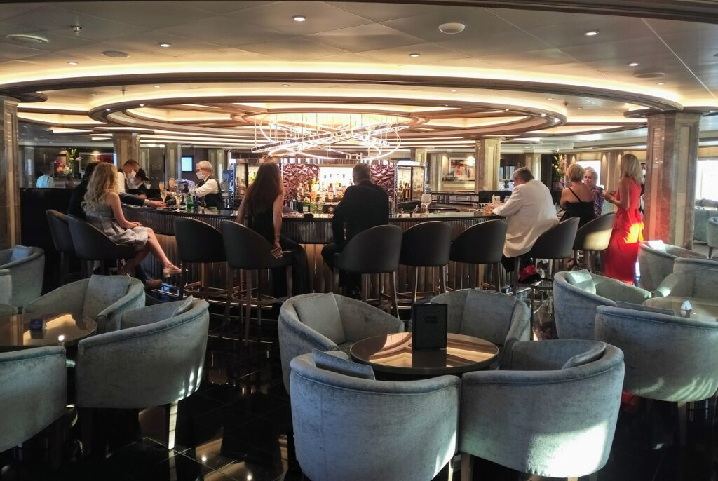 The central bar in the newly redesigned La Dolce Vita